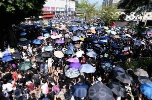 【10.20反惡法直播】港人大遊行 警方狂鎮壓