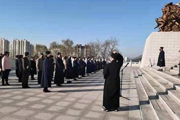 2021年4月丹東普濟宮舉行緬懷韓戰儀式。(大紀元)