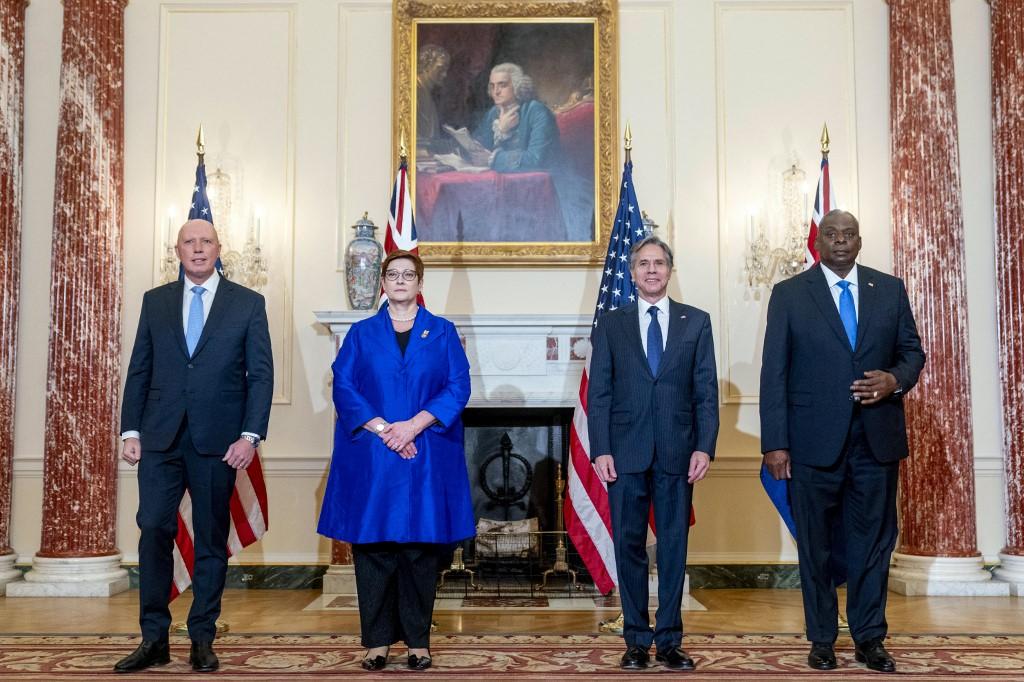 美國國務卿布林肯(Antony Blinken,右二)與國防部長奧斯汀(Lloyd Austin,右一)9月16日在美國國務院會見澳洲外交部長佩恩(Marise Payne,左二)與防長達頓(Peter Dutton,左一),雙方共同召開第31屆美澳部長級諮商會議(AUSMIN)。(Andrew Harnik/POOL/AFP)