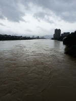 江西鄱陽縣中洲圩決口 超出警戒水位近4米