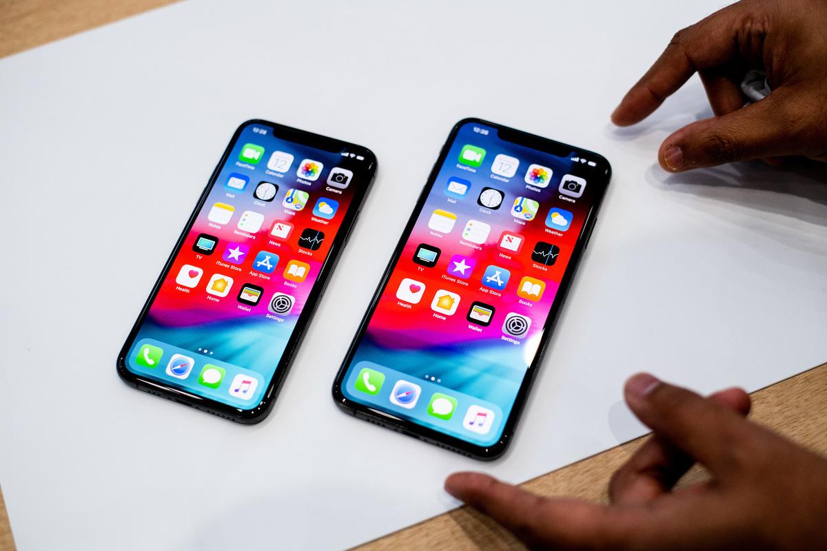 蘋果,三星和谷歌通常會在每年夏末和秋季推出新款智能手機,而這一傳統預計將在2019年繼續下去。圖為iPhone XS和Max。(NOAH BERGER/AFP)