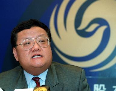 香港鳳凰衛視高層地震,劉長樂卸任行政總裁。圖為鳳凰衛視前任主席劉長樂。(法新社)