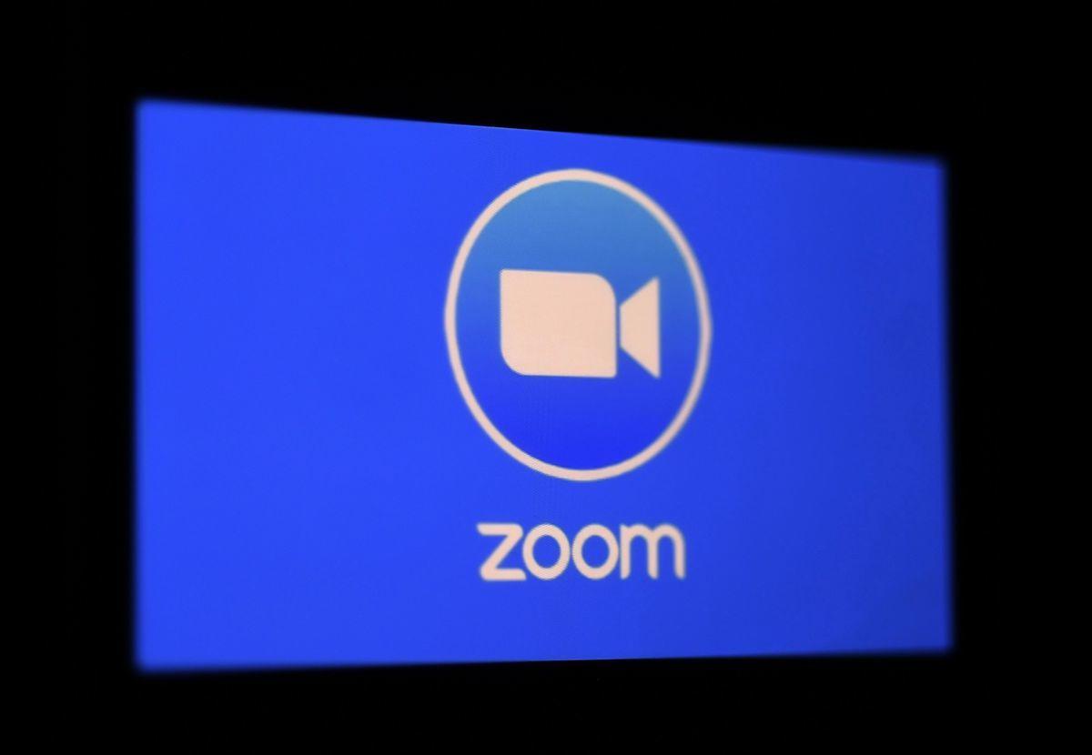 Zoom發佈的聲明證實,一名前員工確實與中共當局分享個人使用者數據。(OLIVIER DOULIERY/AFP via Getty Images)