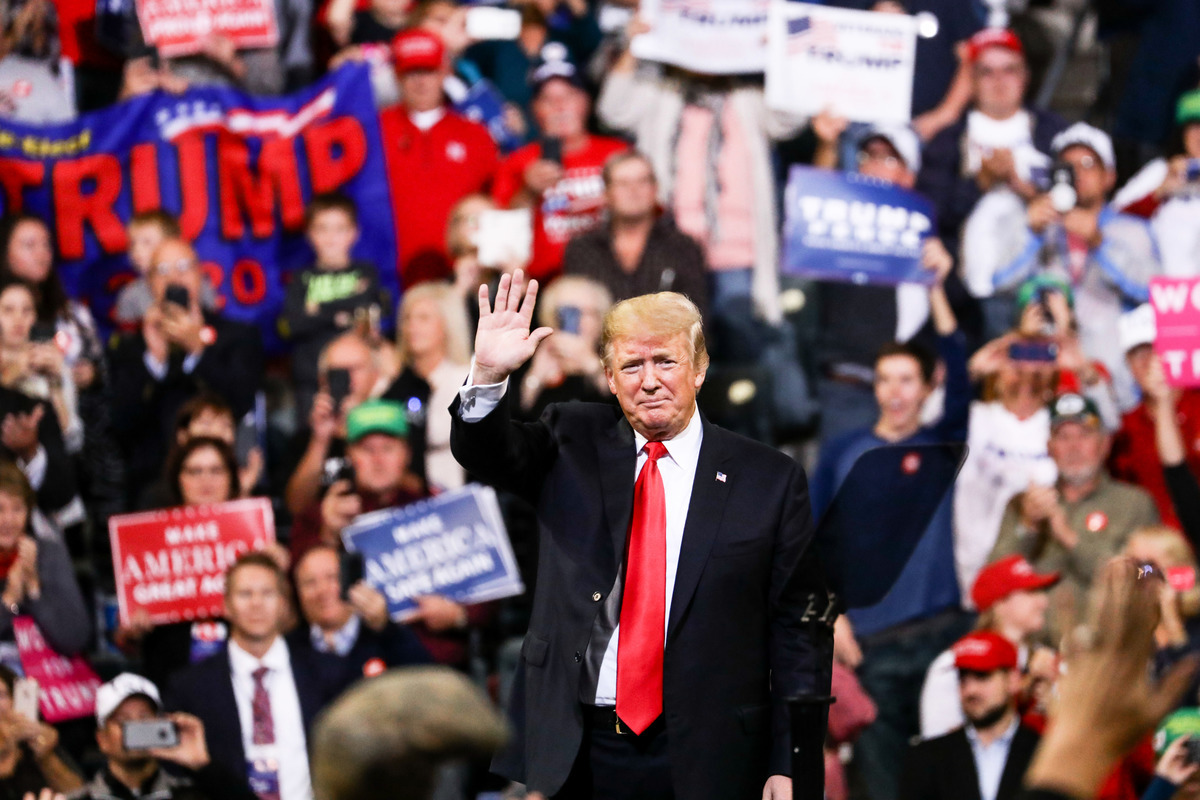 2018年10月9日,特朗普總統在愛荷華州的「讓美國再次強大」集會上。(Charlotte Cuthbertson/大紀元)