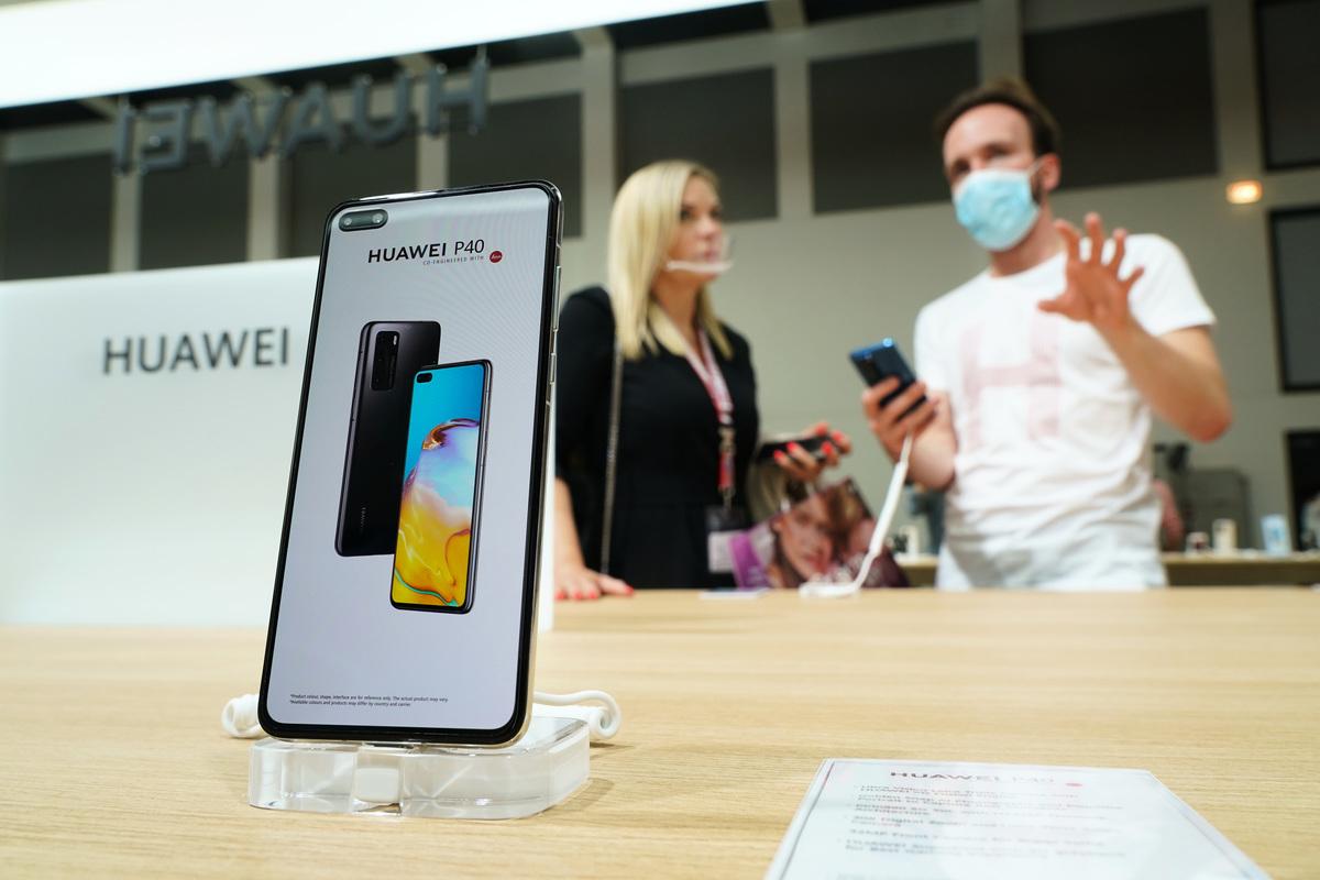 在美國制裁之下,華為手機銷量下滑至第五位。(Sean Gallup/Getty Images)