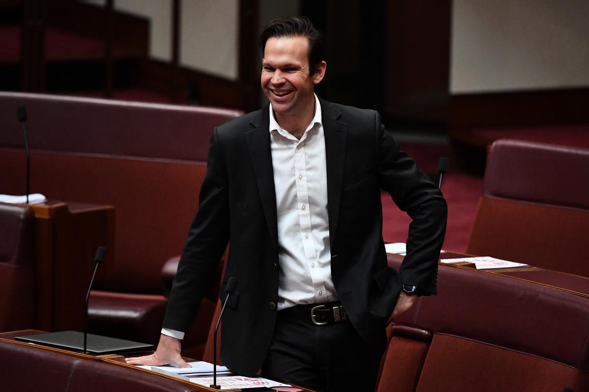 澳洲參議員卡納萬(Matt Canavan)在「War Room」(戰情室)節目接受採訪時表示,中共在外交舞台上是暴徒,自由社會應以打敗共產主義為己任。圖為參議員卡納萬2021年3月16日在議會會議上發言。(Sam Mooy/Getty Images)