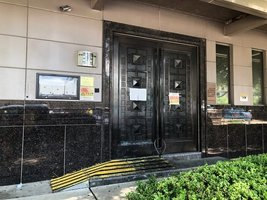中共駐侯斯頓領事館大門已經上鎖