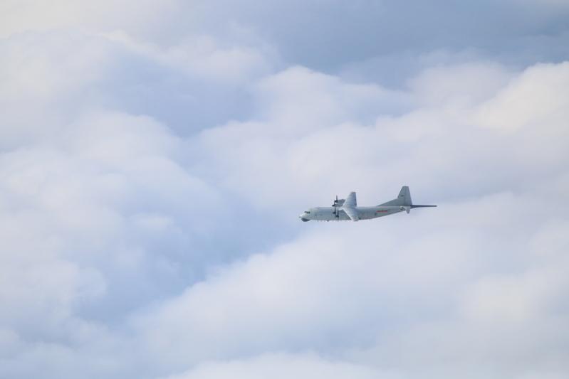 官網2021年2月15日發佈共機動態,一架運8反潛機侵擾台灣西南防空識別區。圖為運8反潛機同型機。(台灣國防部提供)