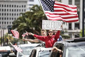 美國爆發反居家令抗議 疑與中共假消息有關