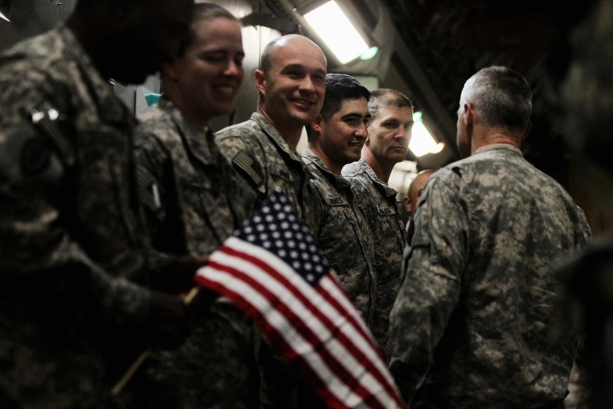美國領導的聯軍正從伊拉克的塔吉軍事基地撤出。示意圖。(Photo by MARIO TAMA/POOL/AFP)