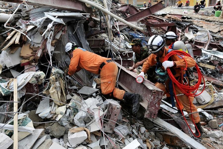 大樓倒塌致28死 柬埔寨徹查中資興建案
