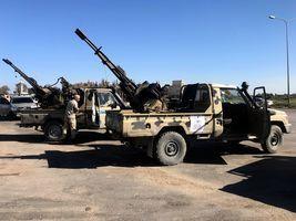 利比亞叛軍逼近首都 美軍宣佈暫時撤離