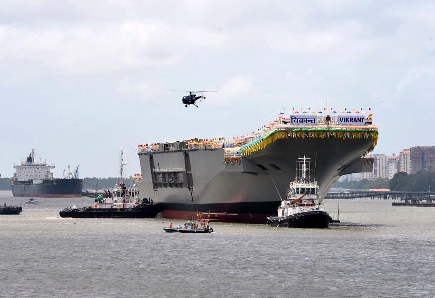 印太角力 印度首艘國產航母開始海試
