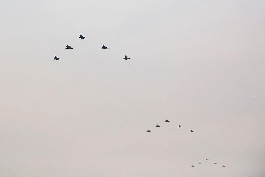 沈舟:殲-20參加黨慶表演洩漏的秘密