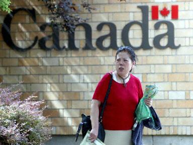 加拿大朝野促終止北京簽證中心合同