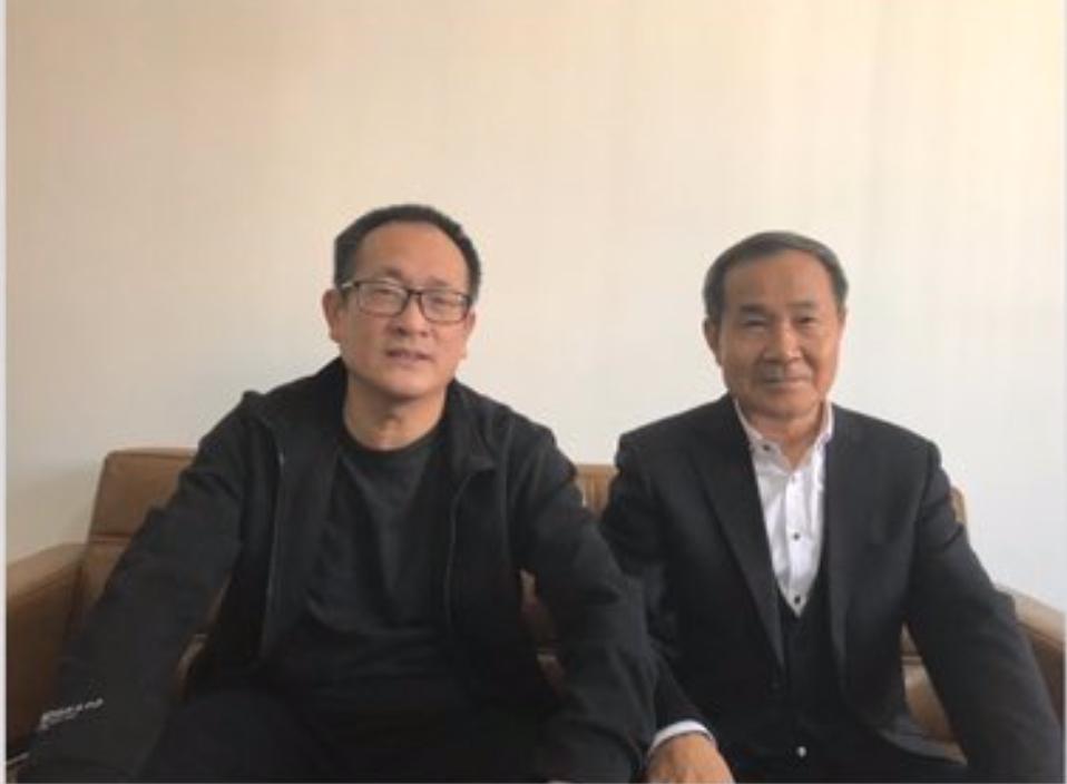 直到出獄,時隔5年,王全璋(左)才見到了自己的代理律師程海(右)。(推特)