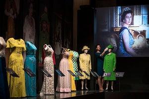 史上規模最大的女王服裝展