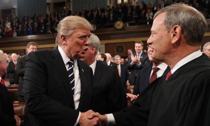 特朗普:面對選舉欺詐 最高法院無能且軟弱