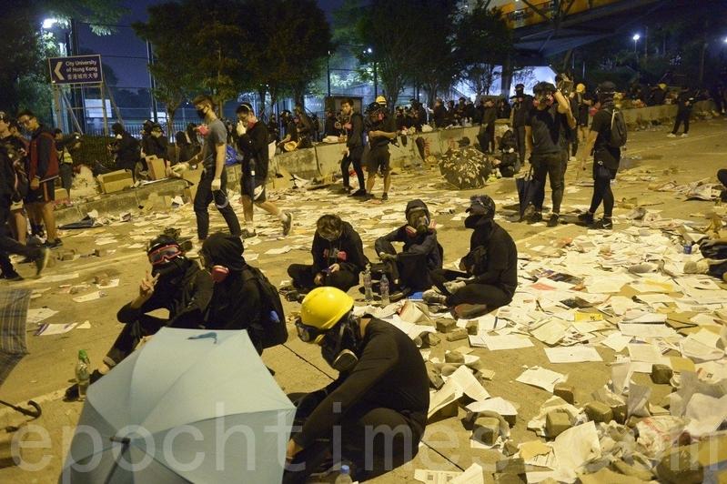 傳港城大今起封鎖宿舍 學生被迫離校