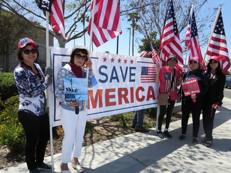 加州民眾集會 籲拜登政府關閉邊境阻非法移民