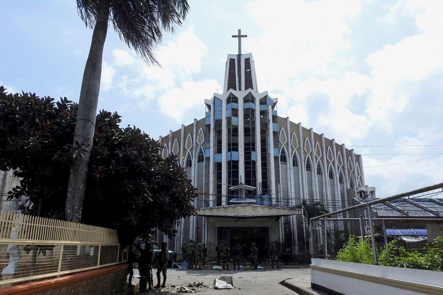 菲律賓天主教堂連環爆炸 造成上百人傷亡