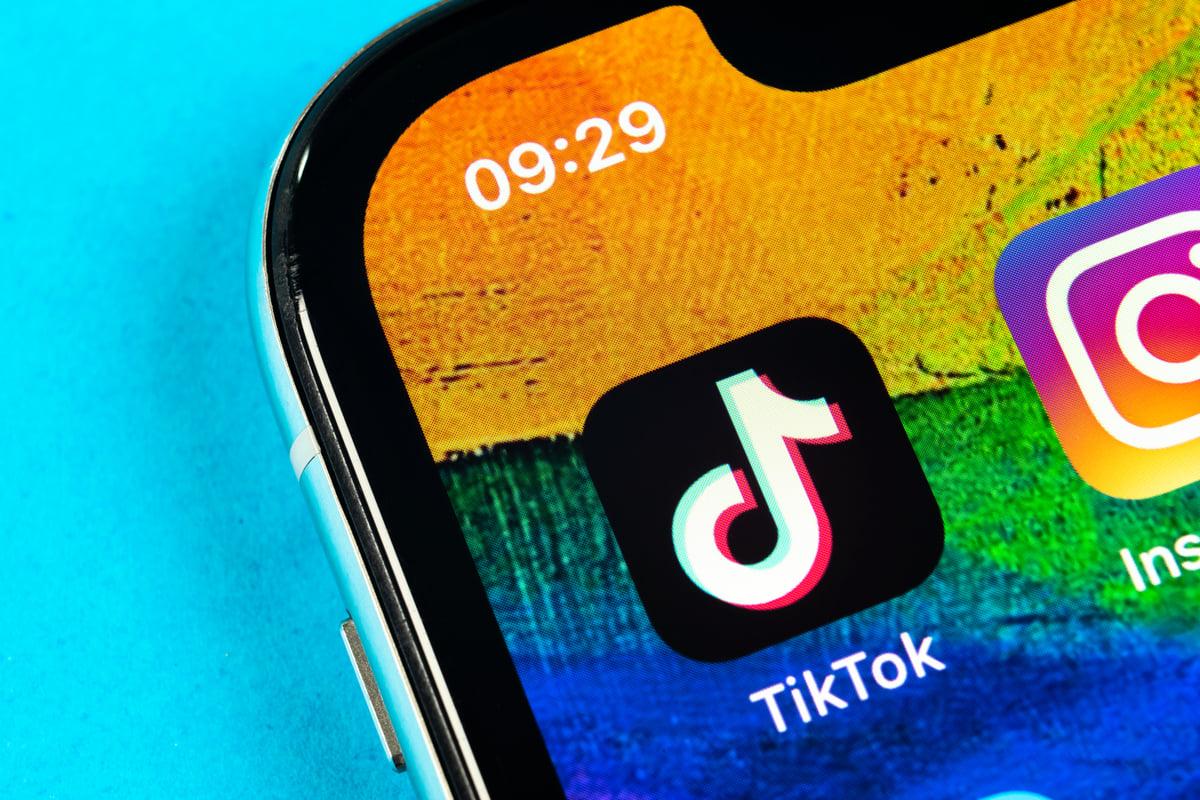 抖音的國際版TikTokk也可能列入禁止使用。(Shutterstock)