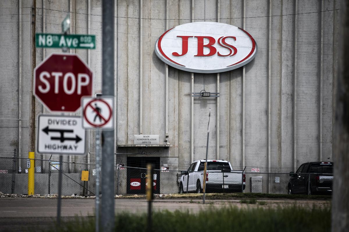 2021年6月1日,美國科羅拉多州一家停止營運的JBS加工廠。(Chet Strange/Getty Images)