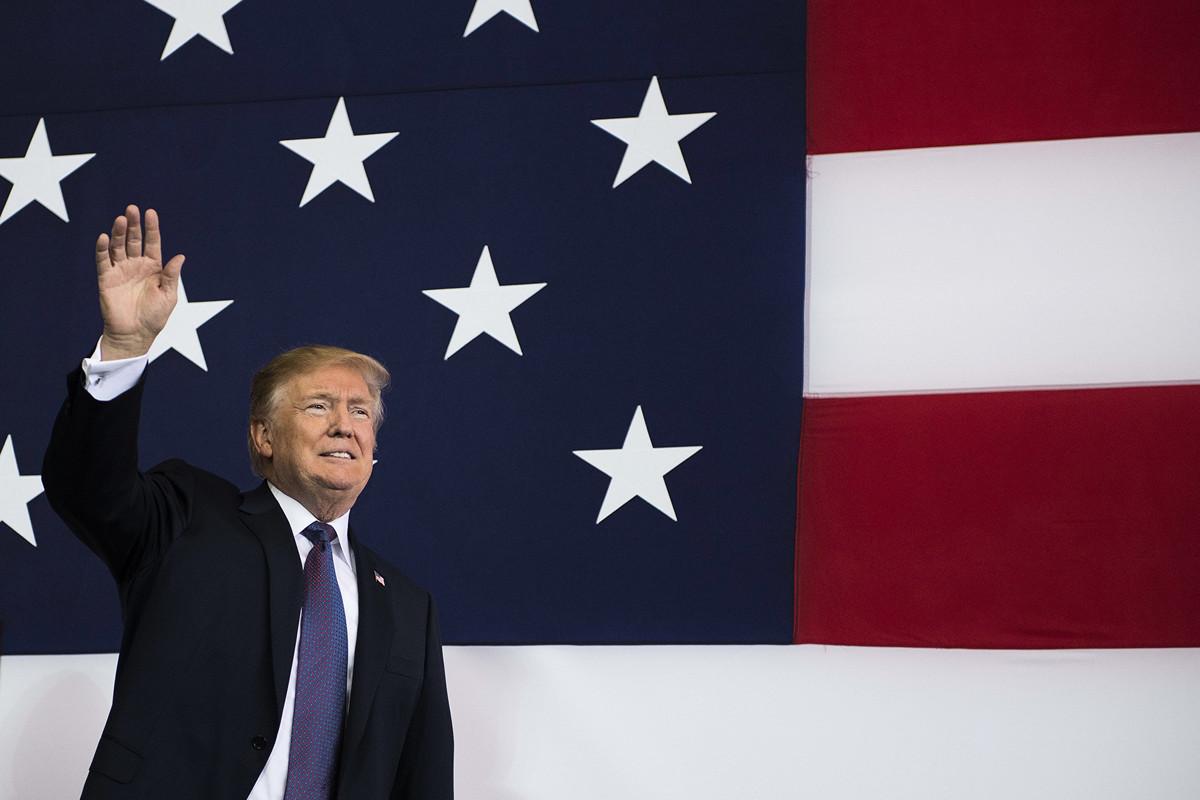 特朗普政府在這場美伊衝突中已取得優勢,伊朗哈梅內伊(Khamenei )政府已處於劣勢。(JIM WATSON/AFP/Getty Images)