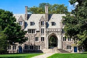 美國越來越多頂尖大學拒絕華為資助