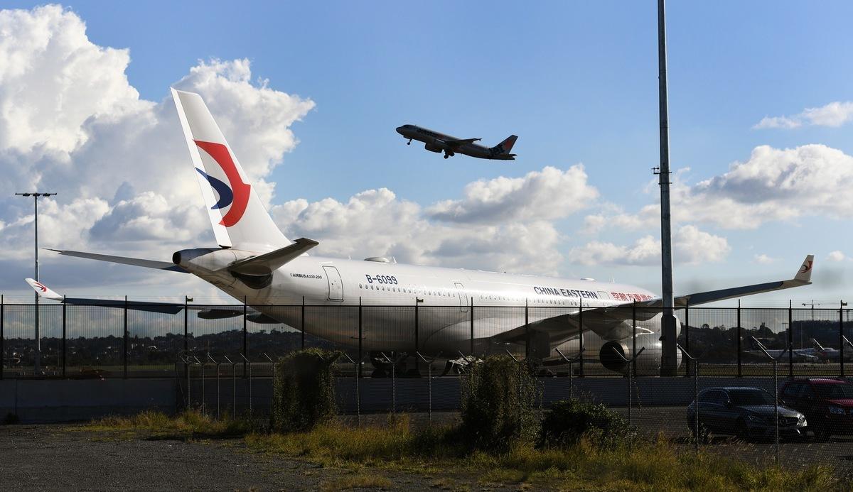 周五(6月19日),美國政府拒絕了中國航空公司要求增加兩國之間每周一次航班的請求。圖為中國東方航空客機。 (WILLIAM WEST / AFP)
