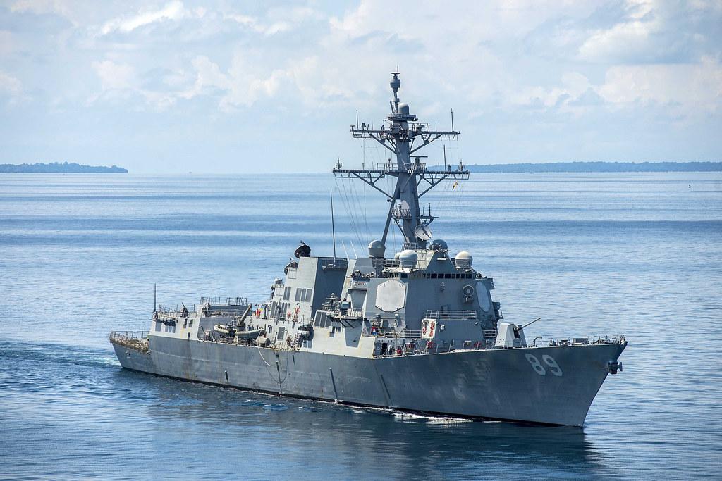 美軍伯克級神盾驅逐艦USS Mustin(DDG 89)資料圖。(PO2 Declan Barnes/美國海軍官網提供)