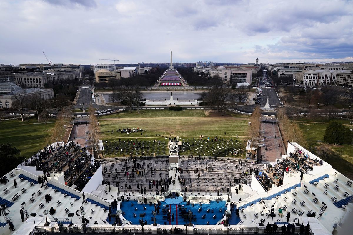 2020年1月20日,美國國會前,拜登就職儀式在即。(SUSAN WALSH/POOL/AFP via Getty Images)