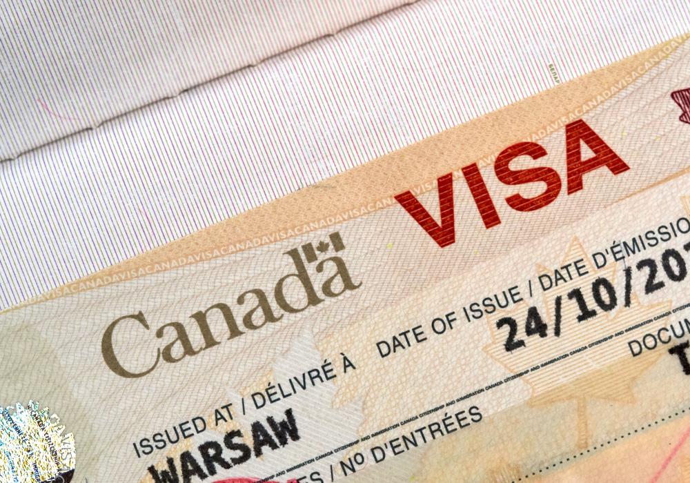 申請加拿大簽證需要提供指紋及照片。(Shutterstock)