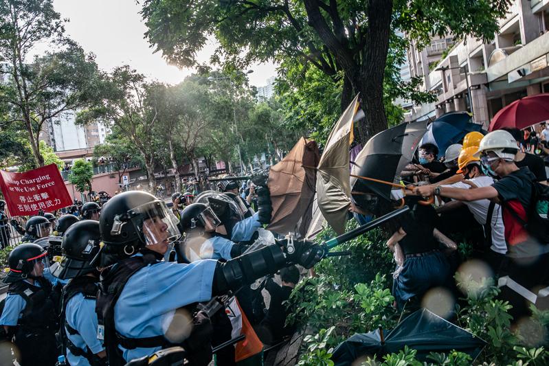 2019年7月13日,香港上水爆發警民衝突。(Anthony Kwan/Getty Images)