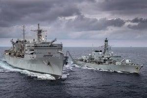 警告中共北極野心 美英軍艦艇巴倫支海軍演
