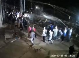 河南洛陽拆遷隊半夜進村 棍棒高壓水槍開路