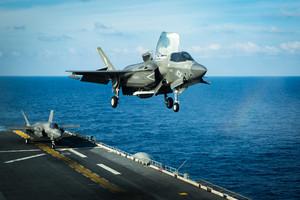 日本輕航母將試行F-35B垂直起降 劍指中共
