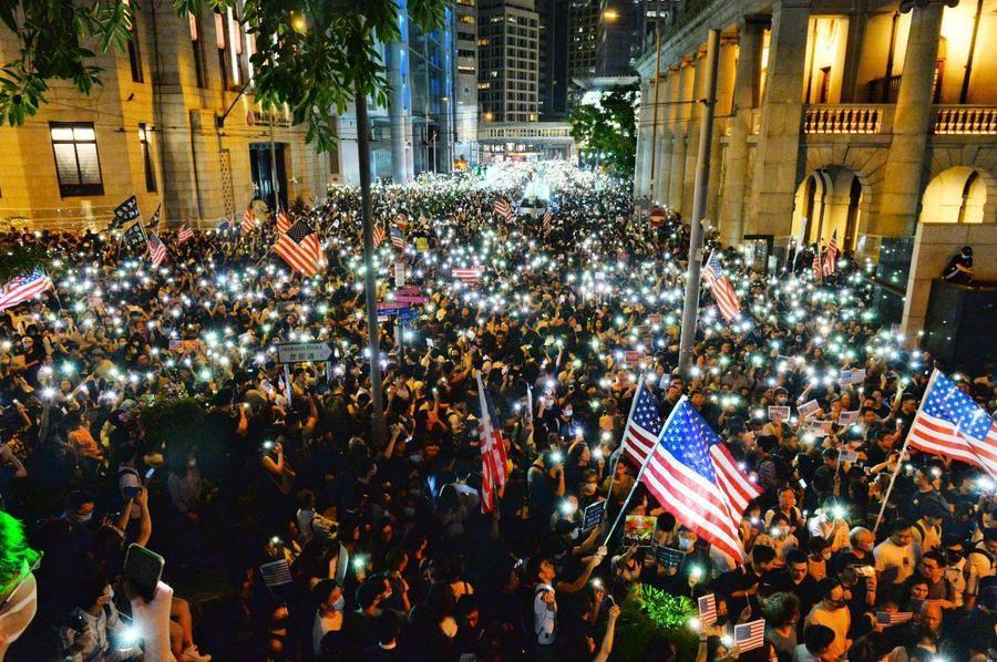 【10.14集會】逾13萬港人擠爆「人權與民主法案集氣大會」