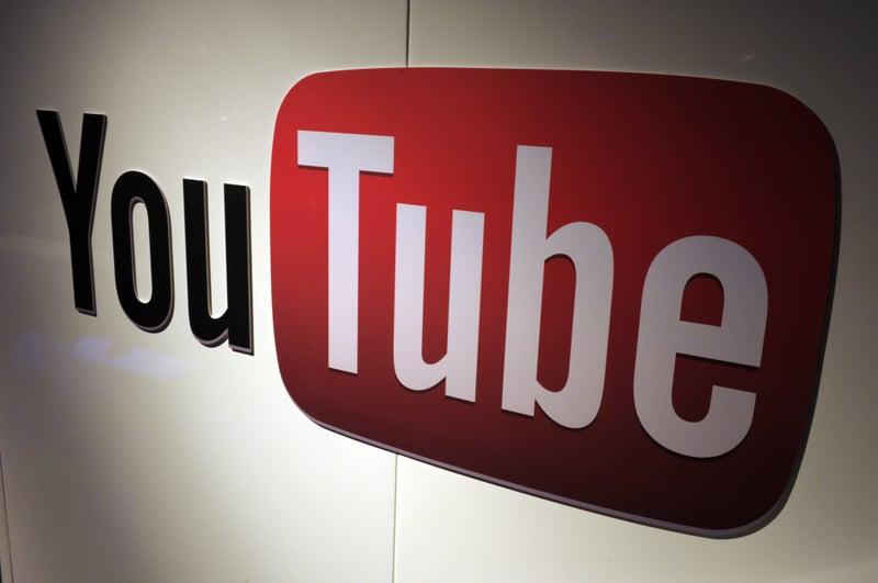 Alphabet公司旗下的谷歌周四(8月22日)宣佈關閉210個YouTube頻道,作為該公司反擊親中共團體的努力的一部份,這些團體試圖破壞香港最近的民主抗議活動。(ERIC PIERMONT/AFP/Getty Images)