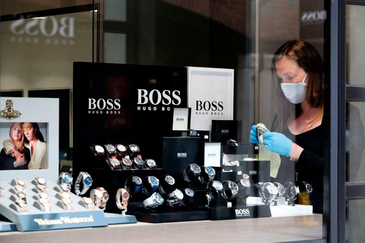 因為反對新疆的強迫勞動,德國時裝Hugo Boss和其它國際品牌遭到中共抵制,但是最新業績顯示,該公司在中國大陸的銷售額仍保持快速增長。(ADRIAN DENNIS/AFP via Getty Images)