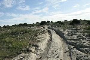 千萬歲汽車輪轍多國現身 專家:是何文明?