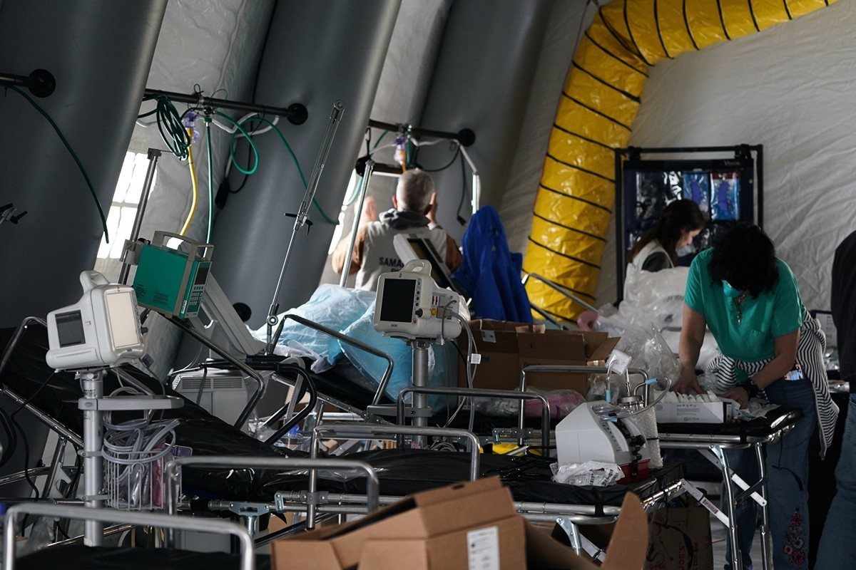 感染中共病毒到底致死率是多少,現在仍沒有準確答案。圖為美國搭建臨時醫院,治療病毒感染者。(Getty Images)