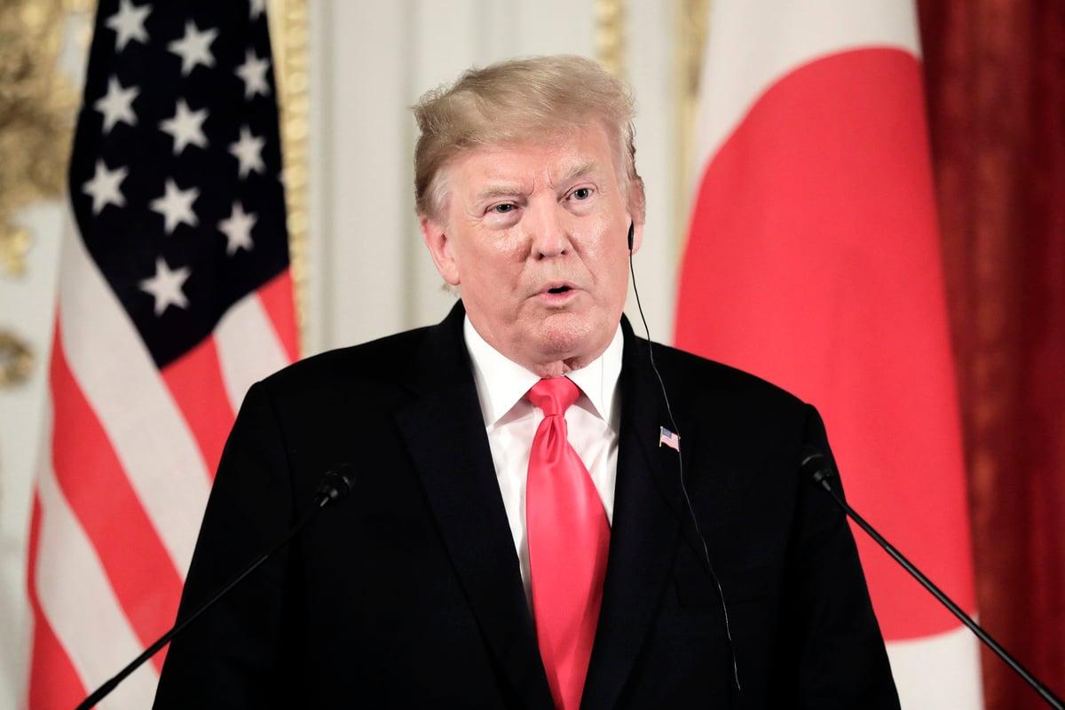 美國總統特朗普周一在日本表示,關稅措施已促使外商自中國大陸撤離,將促成北京重新坐上談判桌。(Kiyoshi Ota – Pool/Getty Images)