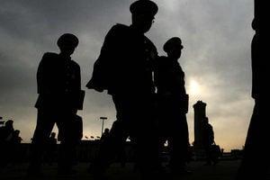 中共前軍官:高級軍官都在觀望局勢