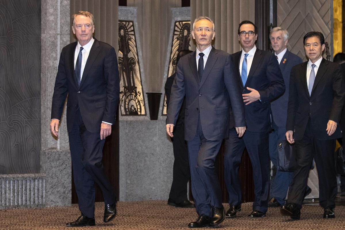 圖為中美貿易談判代表2019年7月31日在上海進行會談。(Ng Han Guan/POOL/AFP)