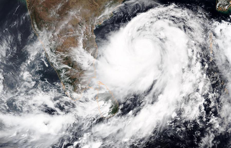 最強氣旋登陸印度 百萬人撤離200航班取消