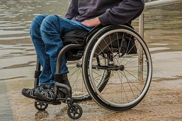 向某某長年欺騙超過十名殘障人士到他家做長工,這些受害者,有的是聾啞人,有的智力存在缺陷。向某某不僅不給工錢,還囚禁、虐待他們。示意圖。(Pixabay)