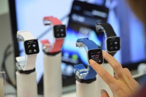 大陸十強電子企業總值為蘋果16% 華為跌千億