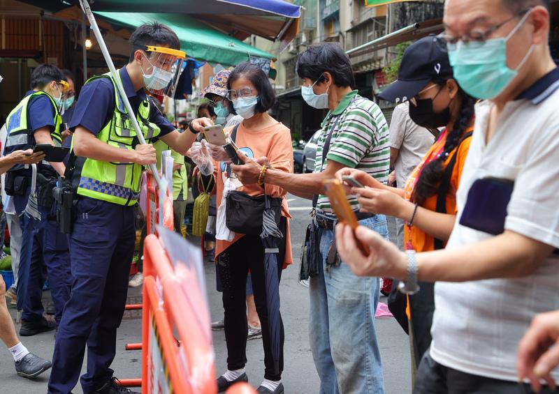 台灣新增335例本土病例 校正回歸8例