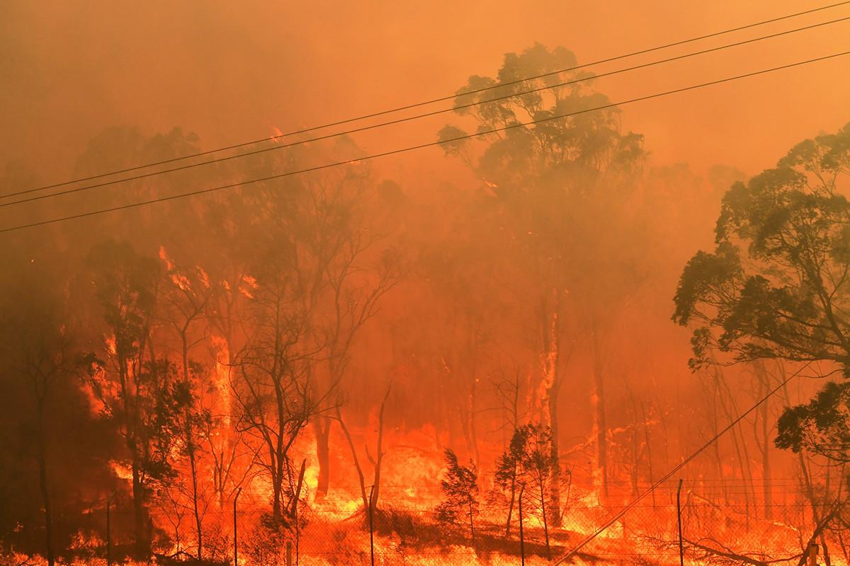 澳州經歷了百年不遇的嚴重旱災,又遭遇山火肆虐,部份地區用水嚴重受限。(AAP)